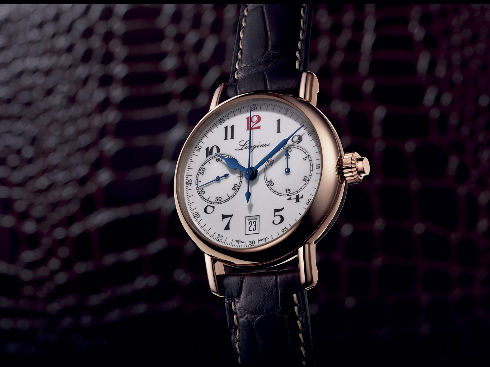 The-Longines-Column-Wheel-Single-Push-Piece-Chronograph-oro-rosa-frontal-ambiente