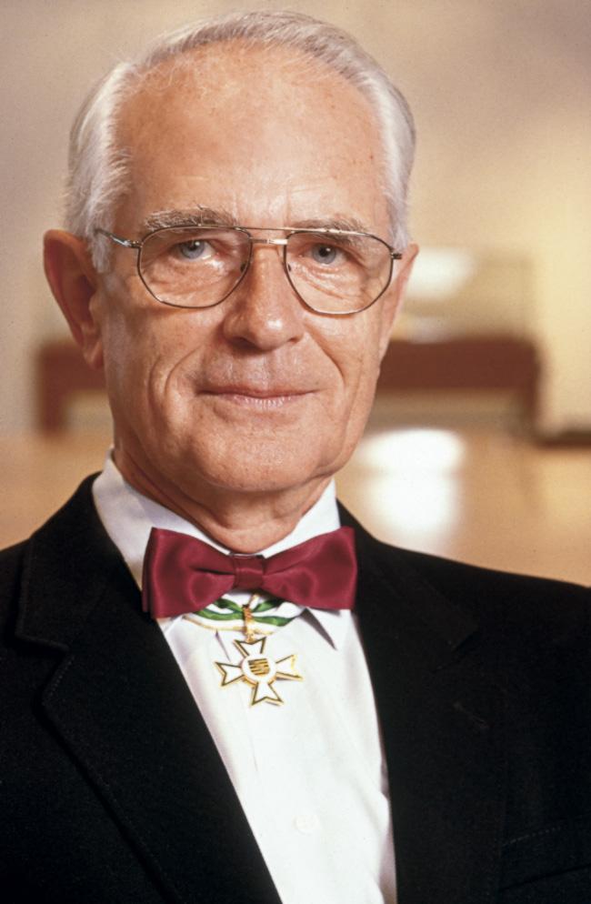 20 de julio de 1998: Walter Lange recibe la Orden del Mérito de Sajonia