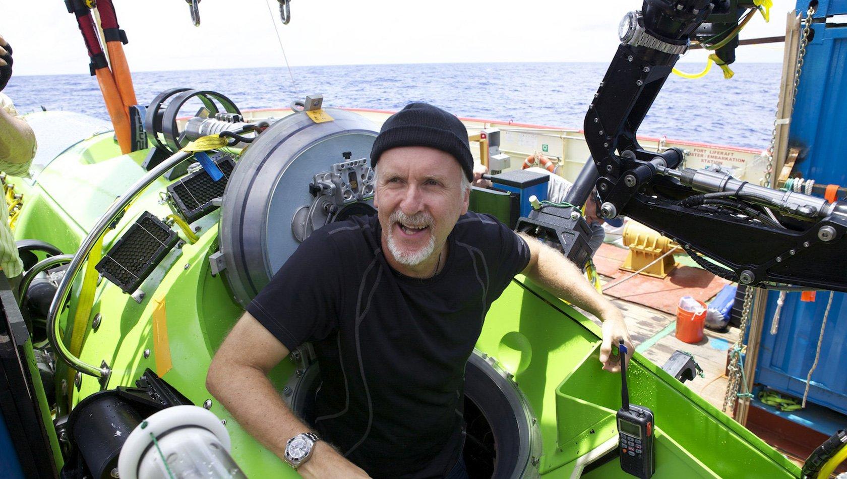 James Cameron tras terminar la inmersión en Las Marianas