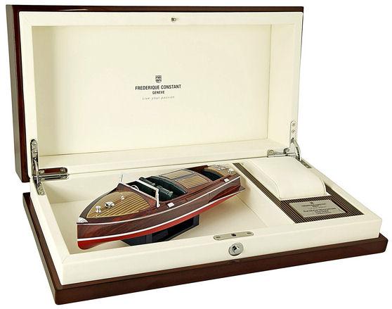 Frederique Constant Runabout Chronograph caja