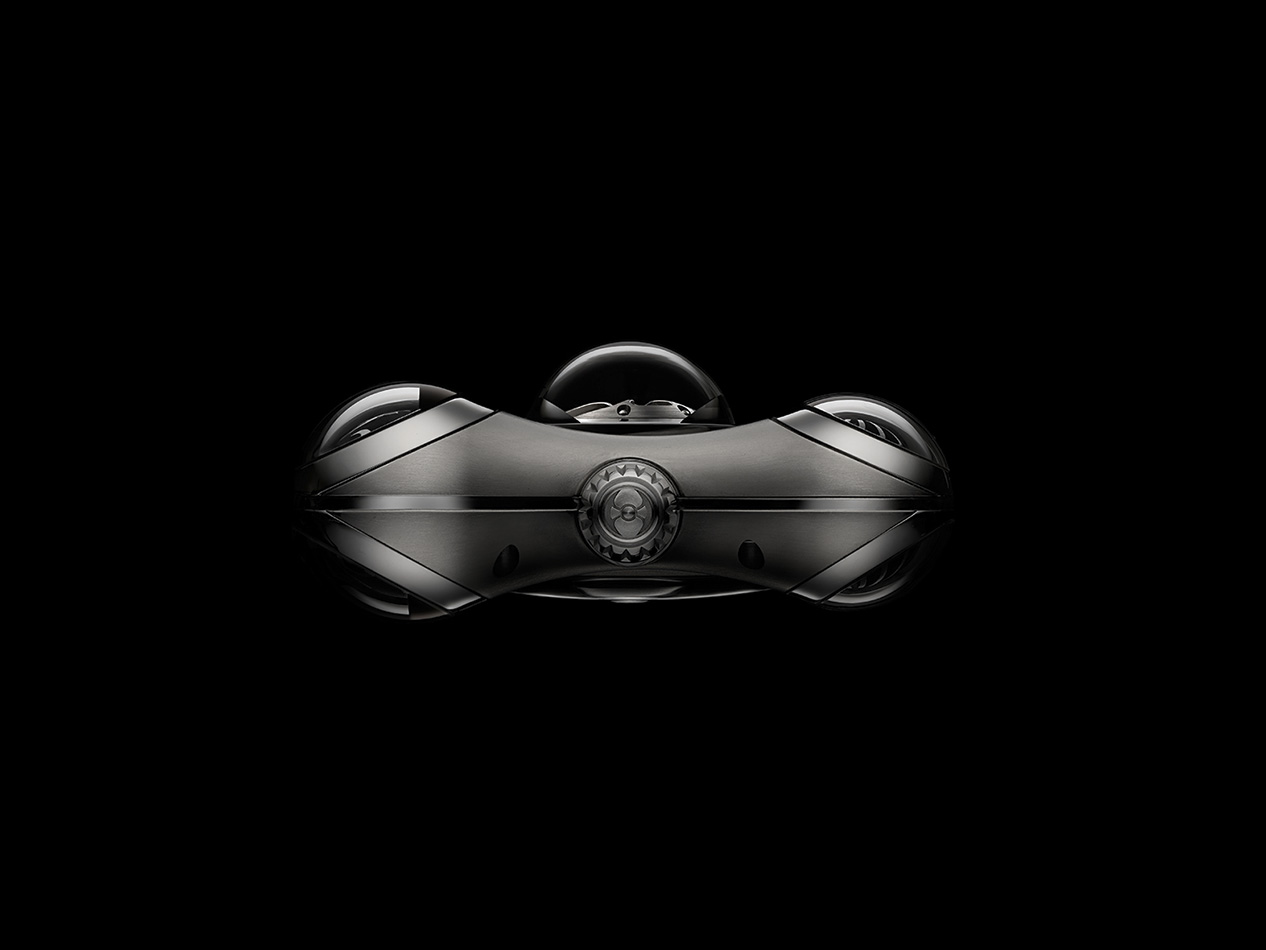 MB & F HM6 Space Pirate Lateral