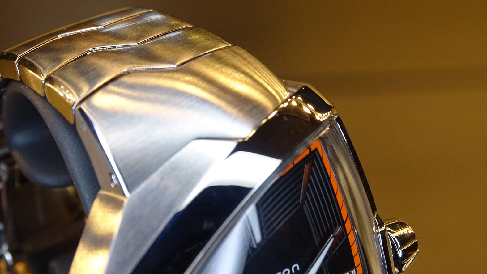 Hamilton Ventura Elvis 80 - detalle del encaje del brazalete de acero