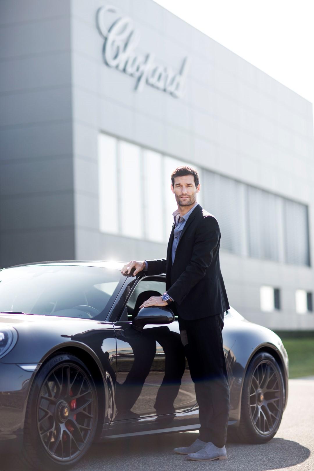Mark Webber en la entrada de la Manufactura Chopard ®Johann Sauty-Chopard (Large)