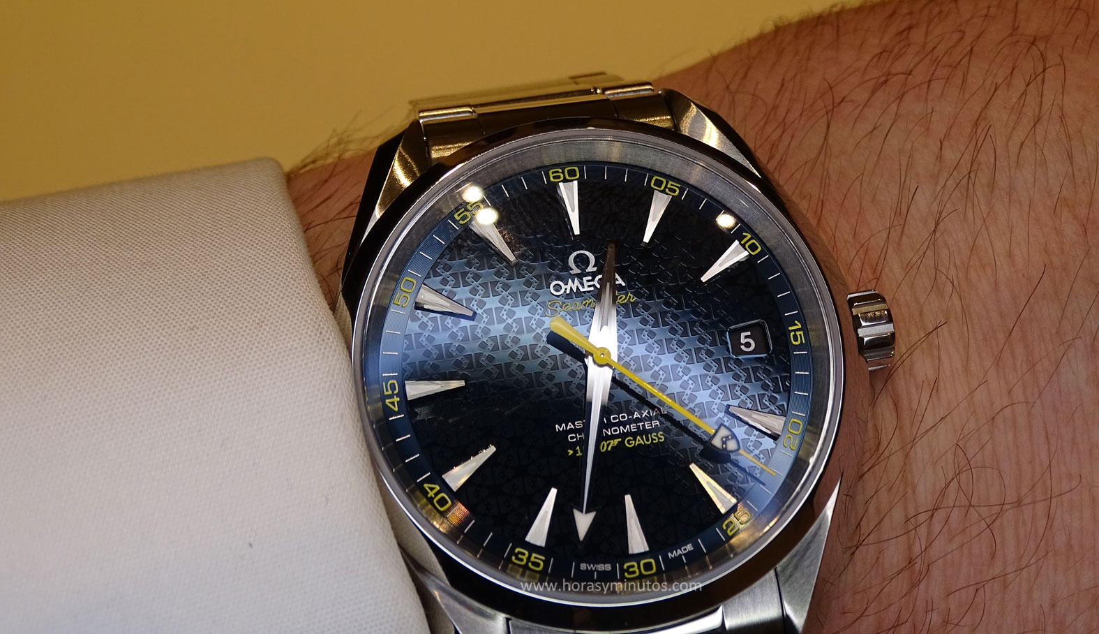 OMEGA Seamaster James Bond Spectre - textura