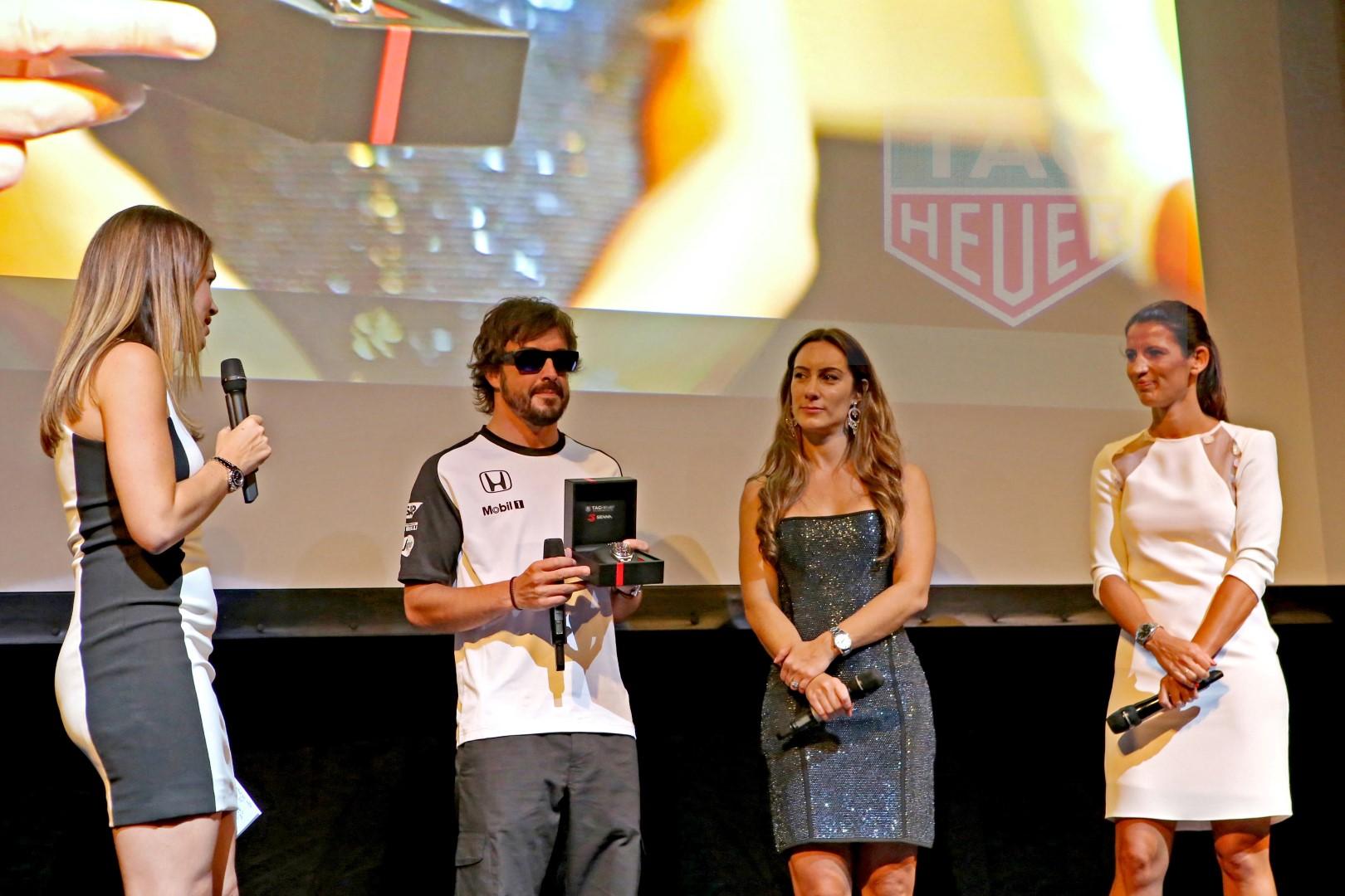 De Izquierda a derecha: la periodista Nira Juanco, Fernando Alonso, Biana Senna y Blanca Panzano, Directora General de TAG Heuer España