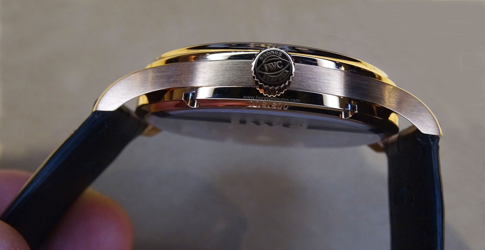 IWC Portugues Tourbillon Manual Jones corona