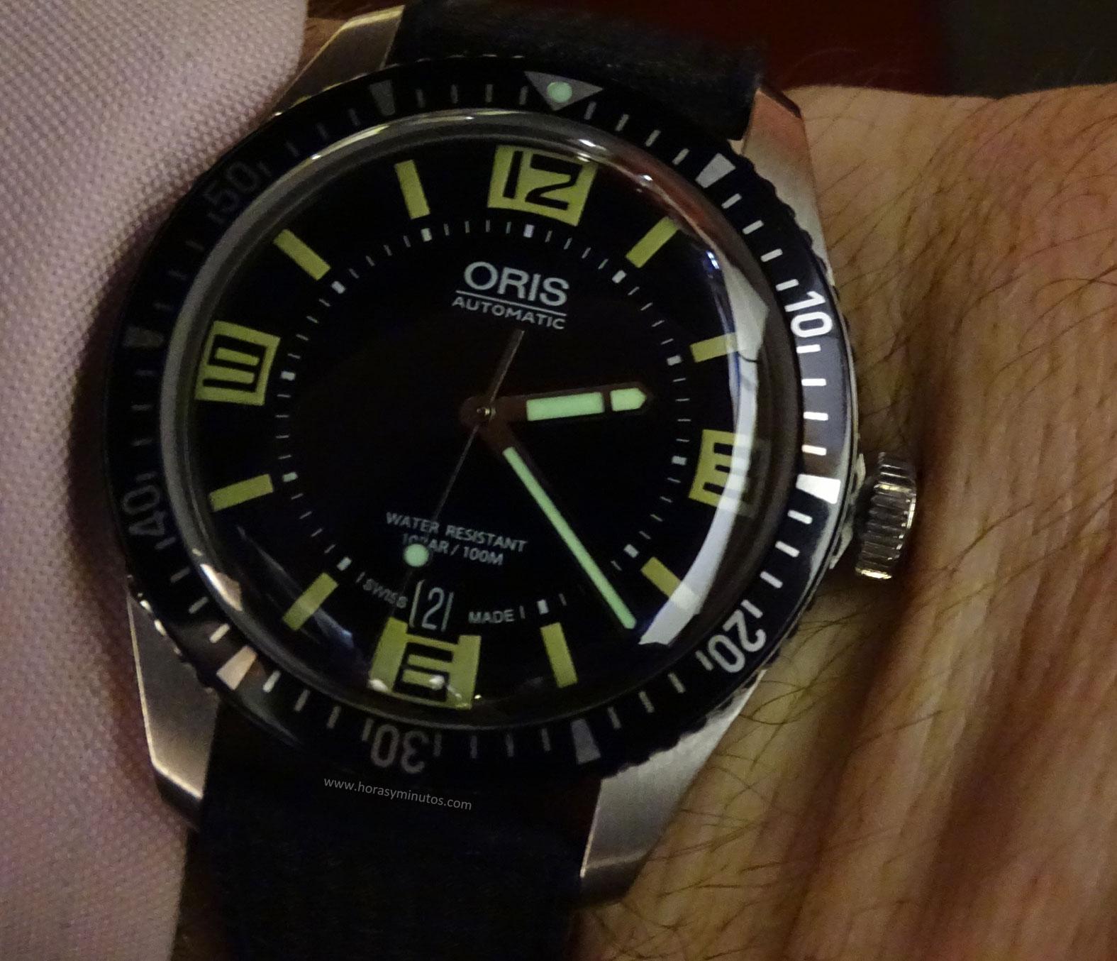Oris Divers Sixty-Five SuperLuminova