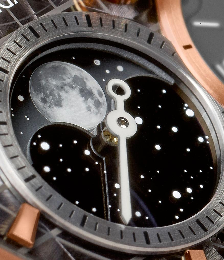 Girard-Perregaux Traveller Large Date Moonphase and GMT detalle de la Luna