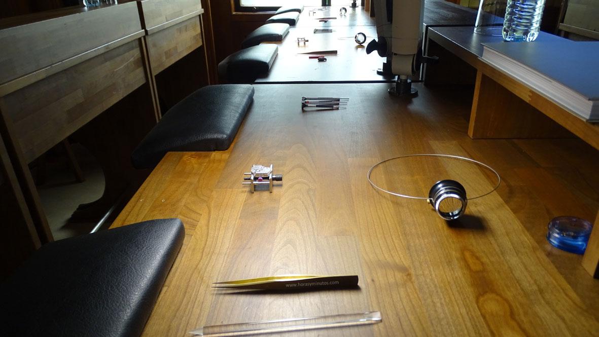 SIAR 2015 - Mesa de relojero en Jaeger-LeCoultre preparada para la Master Class