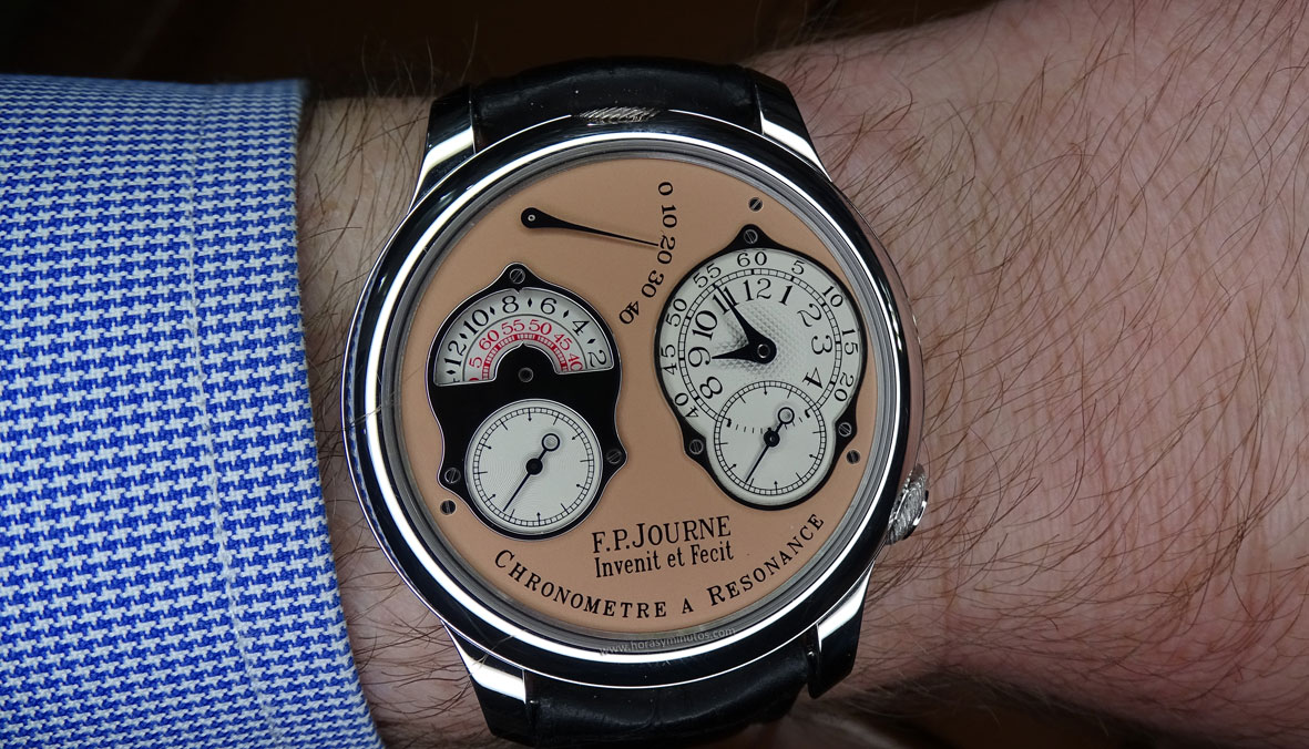 SIAR 2015 - FP Journe Chronomètre à Résonance en la muñeca