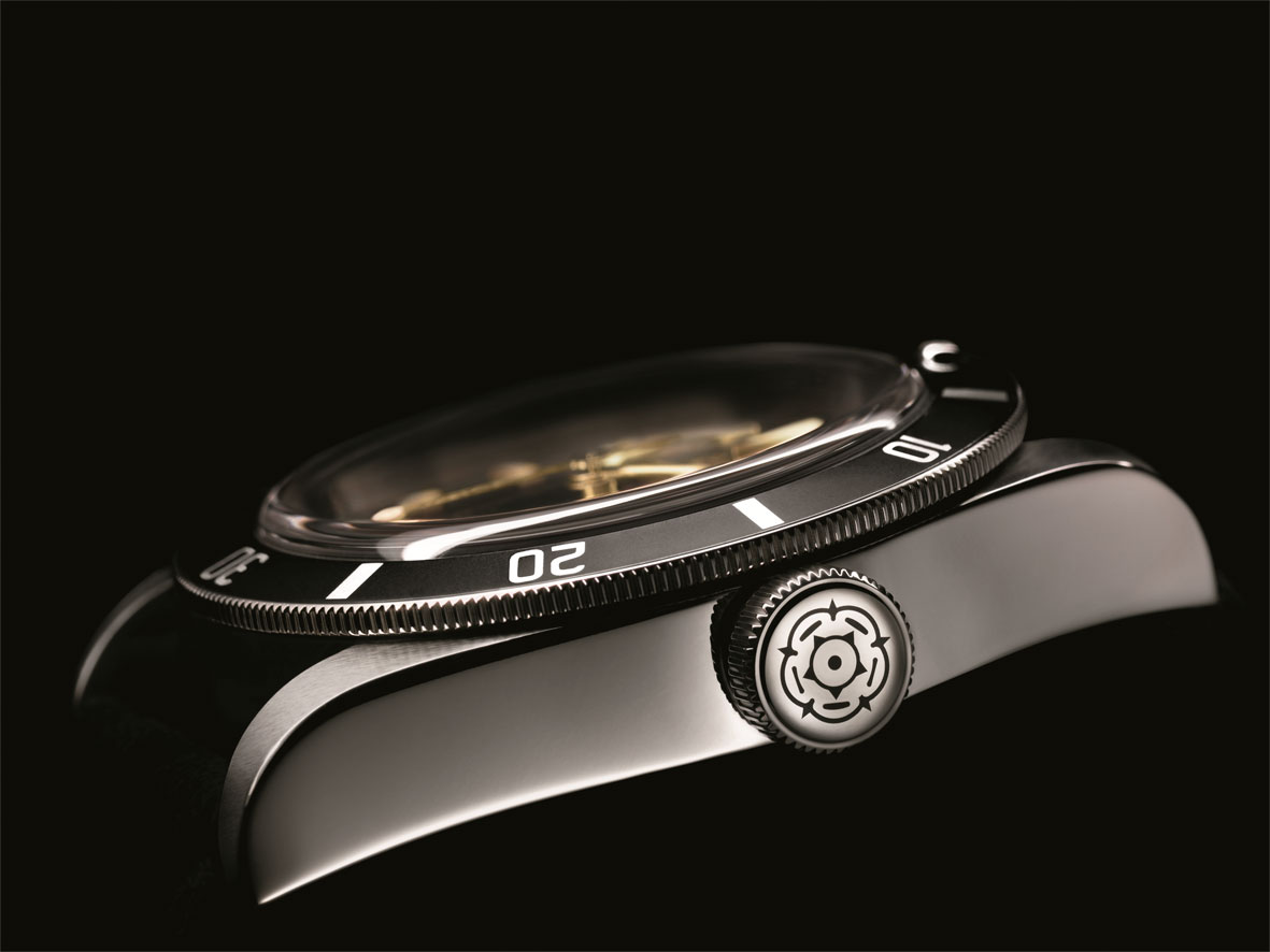 Tudor Heritage Black Bay Only Watch perfil