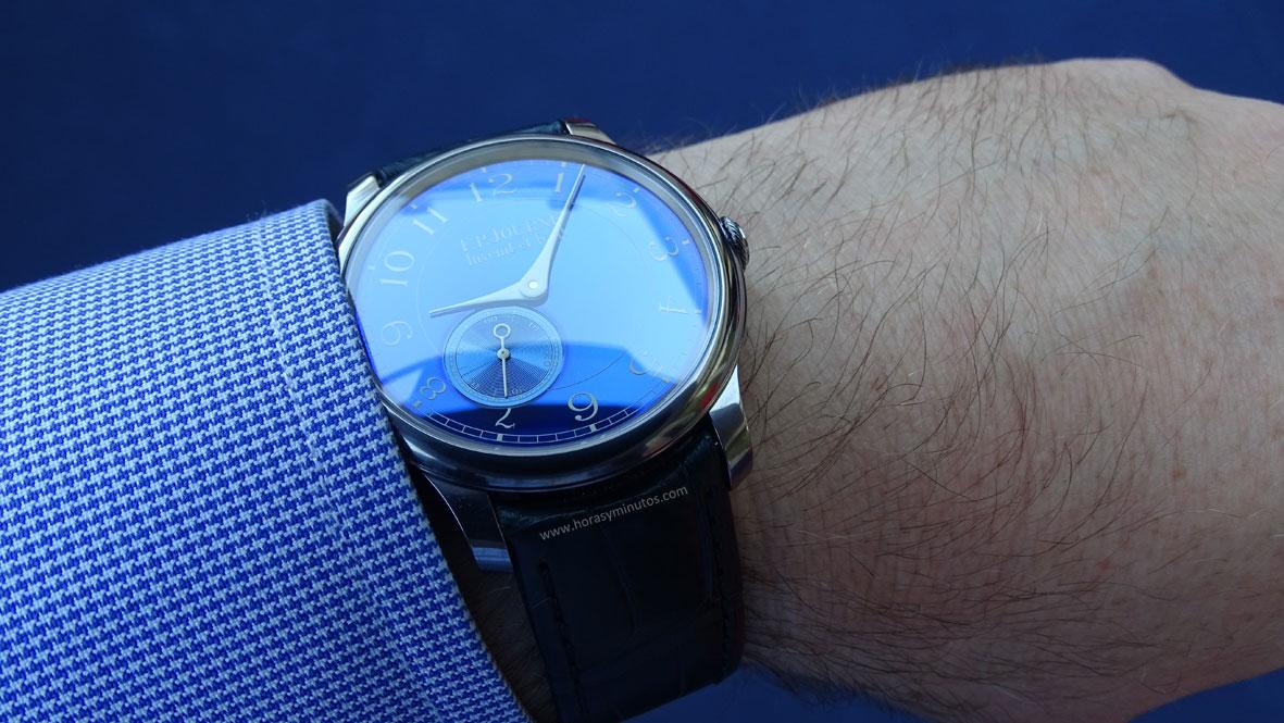 FP Journe Chronomètre Bleu en la muñeca 2