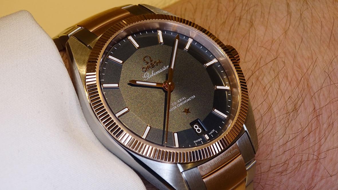 OMEGA Globemaster Master Chronometer acero y oro Sedna - perfil
