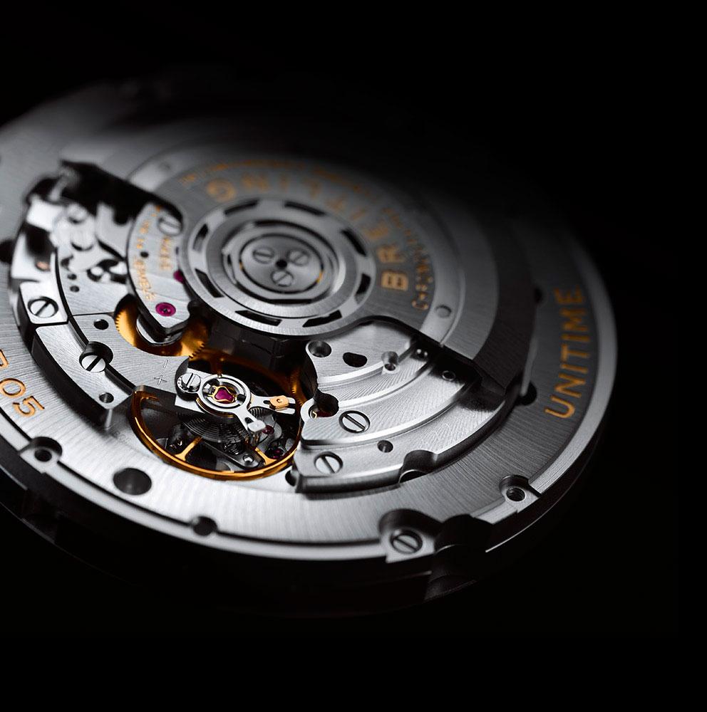 Breitling-Bentley-B05-Unitime-Midnight-Carbon-calibre-B05-Horasyminutos