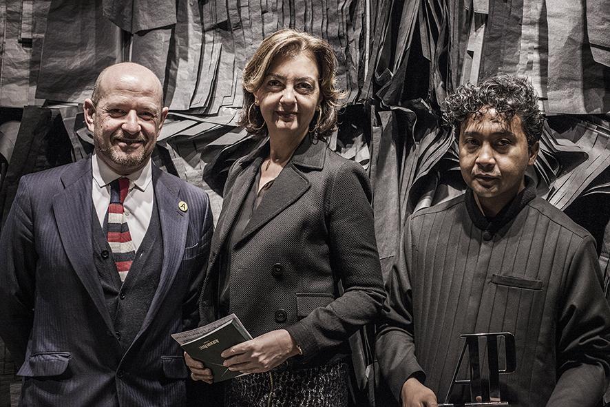 Carlos Urroz, Director de ARCOMadrid, Carmen Sáenz, Directora de Audemars Piguet Iberia, y Joël Andrianomearisoa