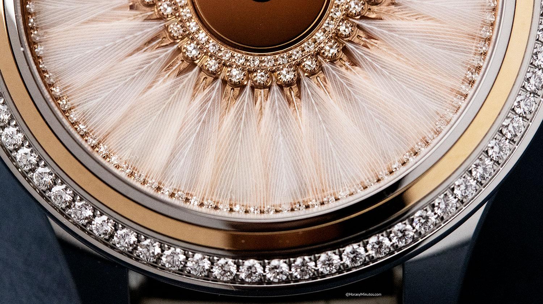 Detalle de las plumas del Dior Grand Bal Plume Blanche