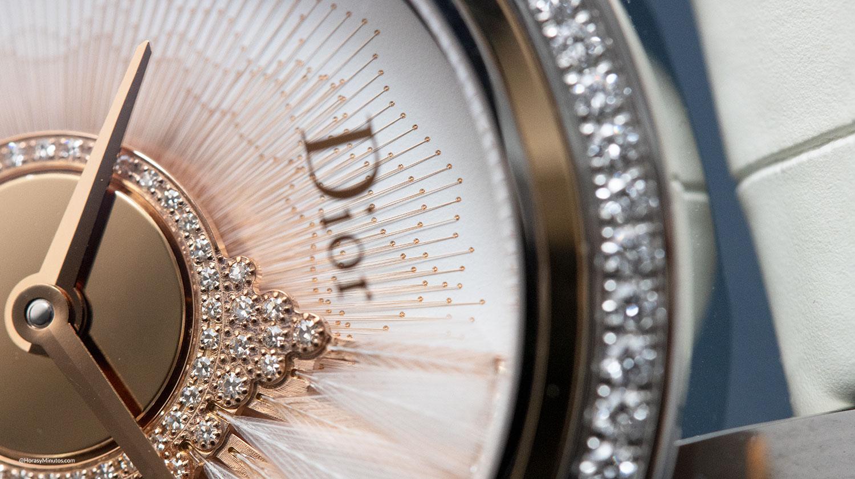 Detalle de la esfera del Dior Grand Bal Plume Blanche
