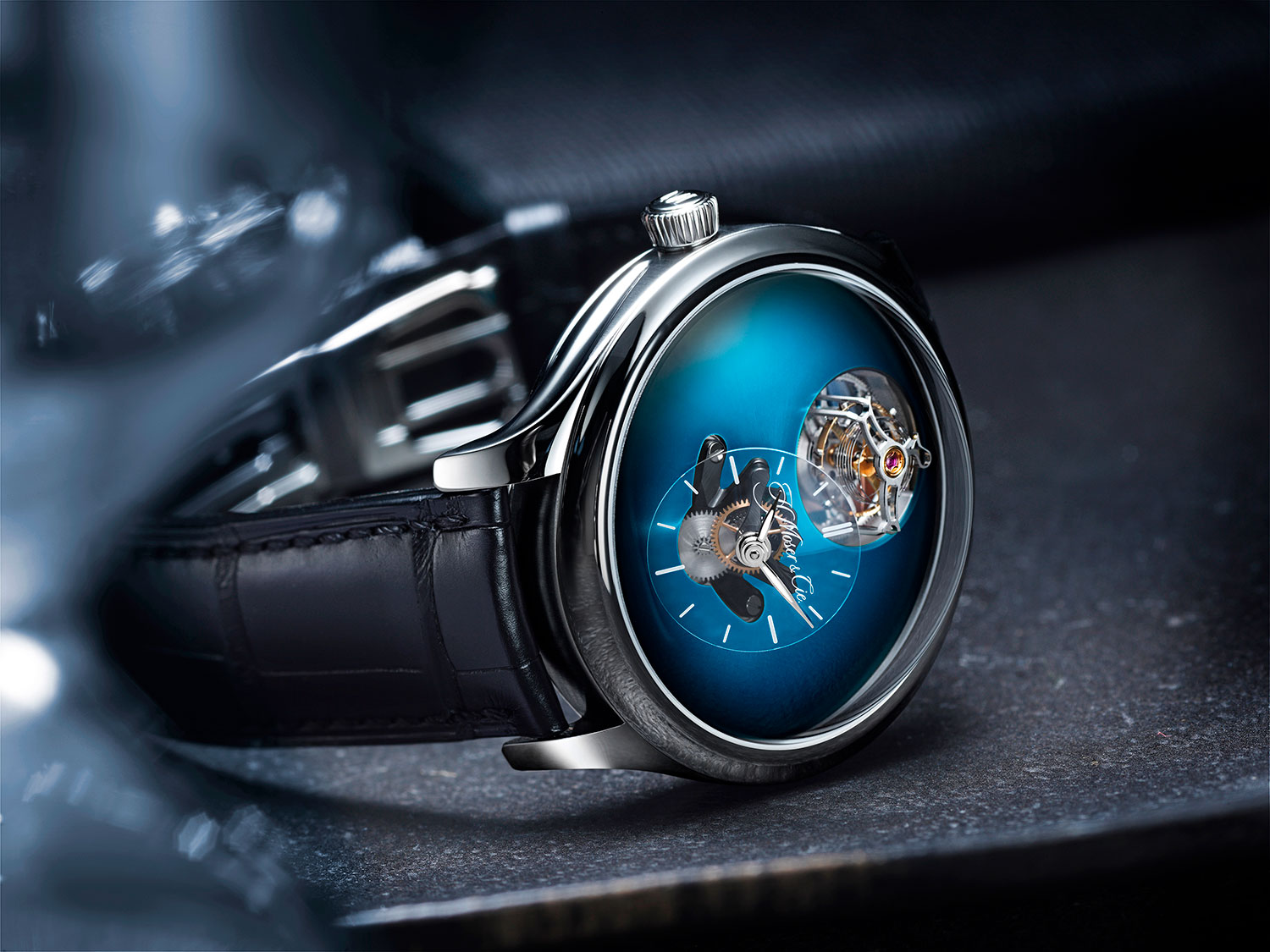 Endeavour Cylindrical Tourbillon H. Moser × MB&F Funky Blue