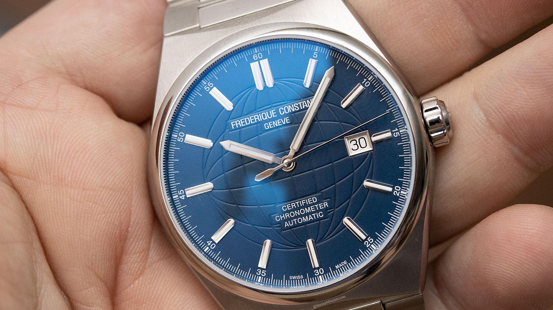 El Frederique Constant Highlife Automatic azul