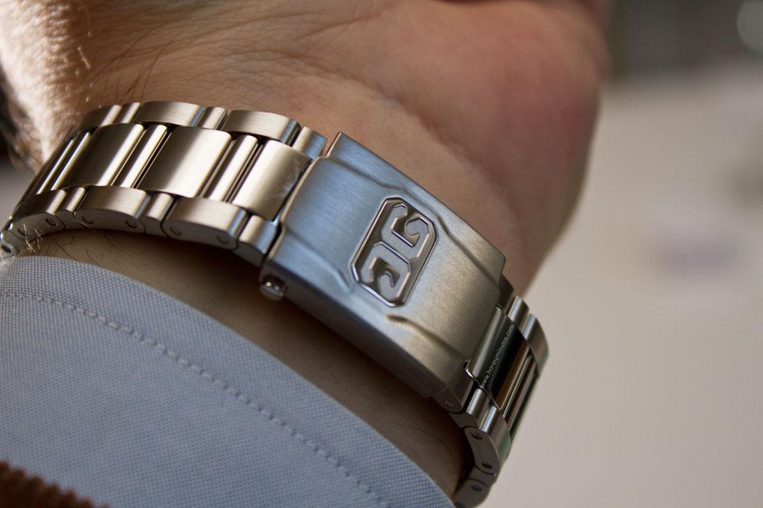 glashutte-original-senator-excellence-panorma-date-steel-bracelet-3-horasyminutos