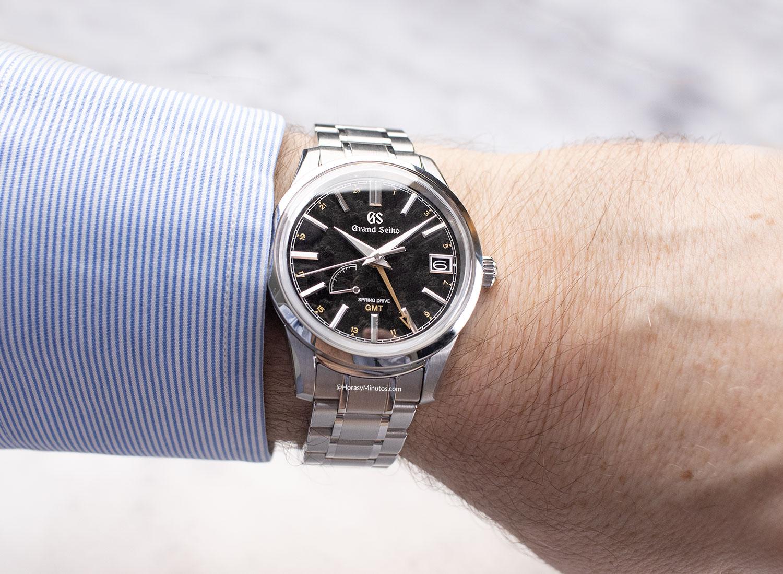 El Grand Seiko Elegance GMT «24 Estaciones» KANRO – SBGE271G, puesto