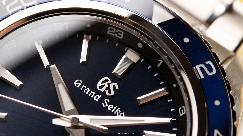 Detalle de los índices del Grand Seiko Sport GMT Hi-Beat SBGJ237