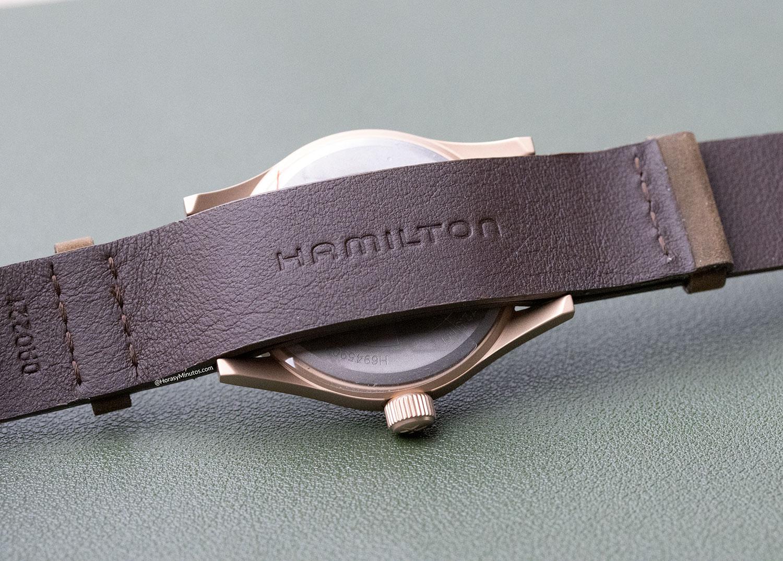 Trasera del Hamilton Khaki Field Mechanical Bronze