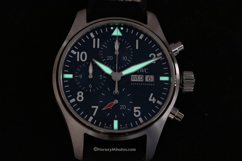 Tratamiento con Super-LumiNova del IWC Pilot's Watch Chronograph 41 mm