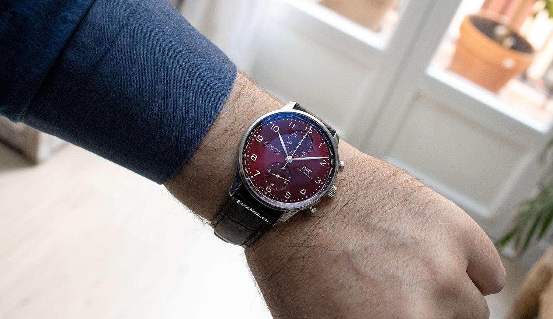 El IWC Portugieser Chronograph rojo, puesto