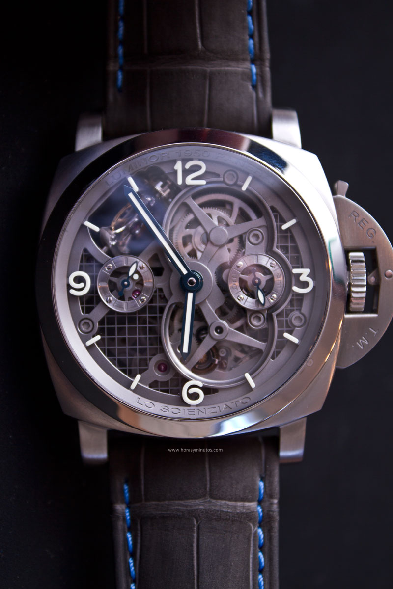 Lo-Scienziato-Luminor-1950-Tourbillon-GMT-Titanio-4-HorasyMinutos
