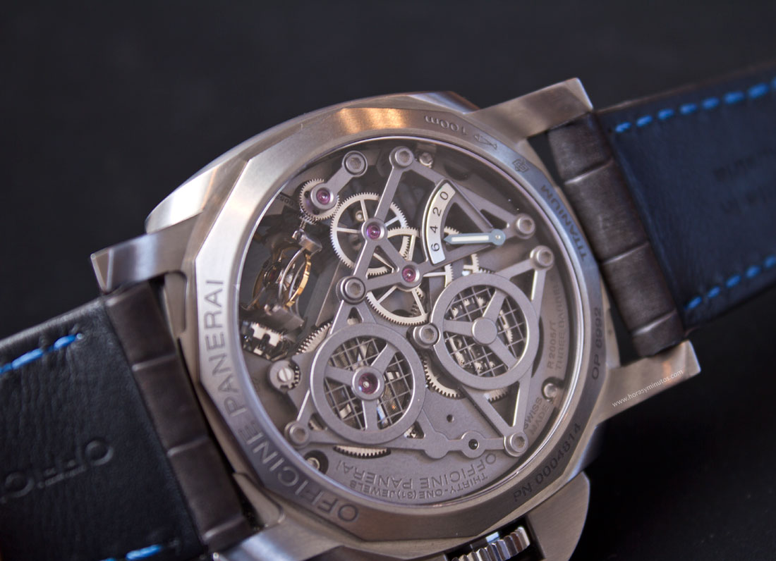 Lo-Scienziato-Luminor-1950-Tourbillon-GMT-Titanio-5-HorasyMinutos