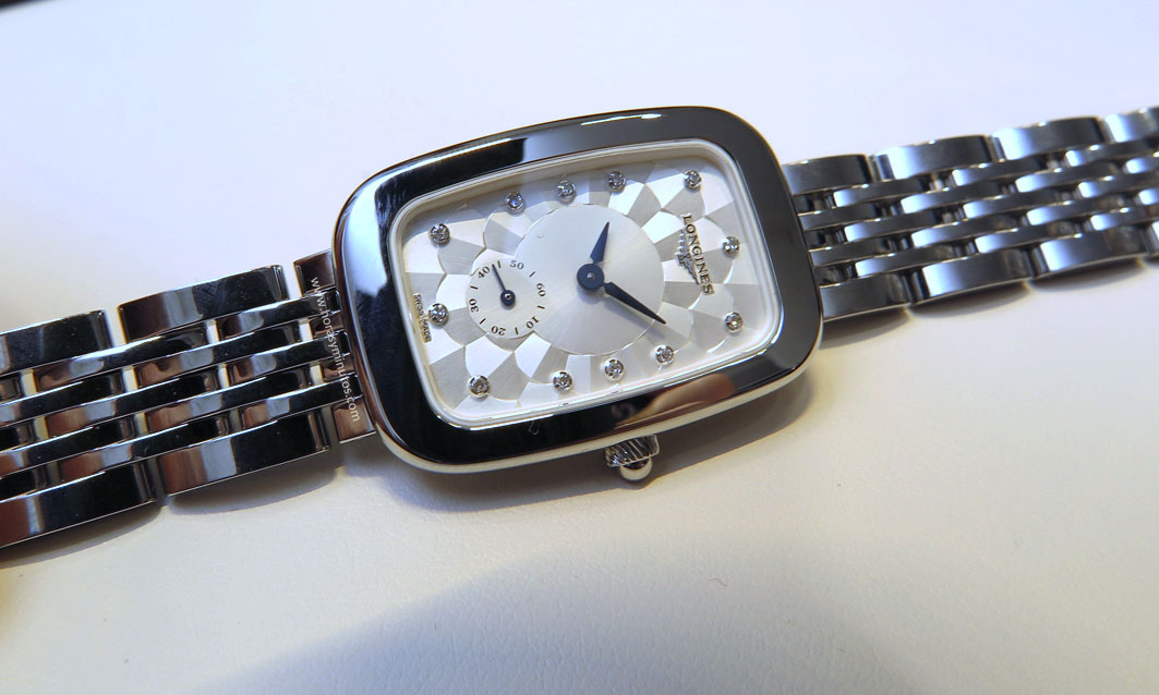 Longines-Equestrian-Collection-buckle-Horasyminutos