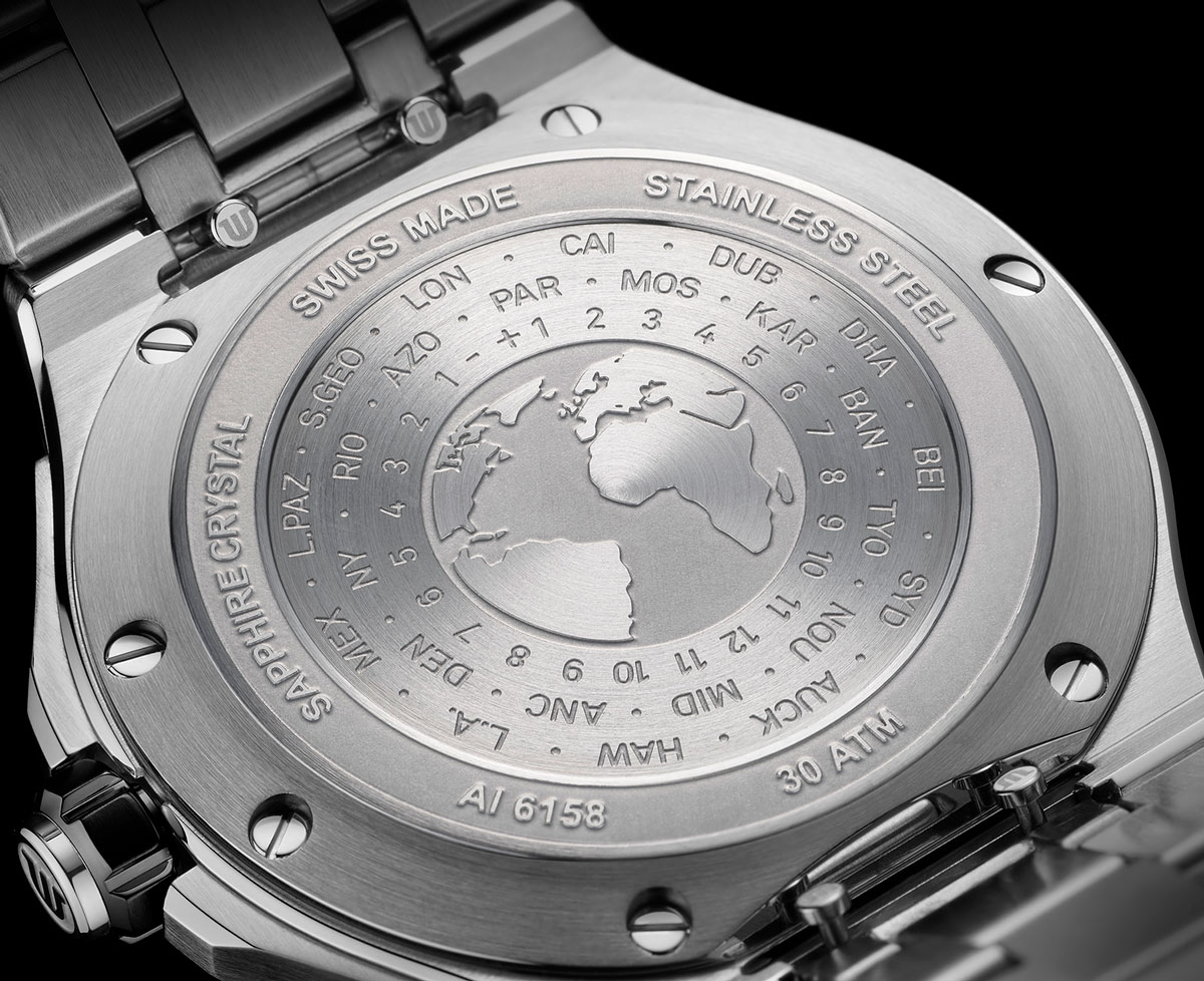 Trasera del Maurice Lacroix Aikon Venturer GMT