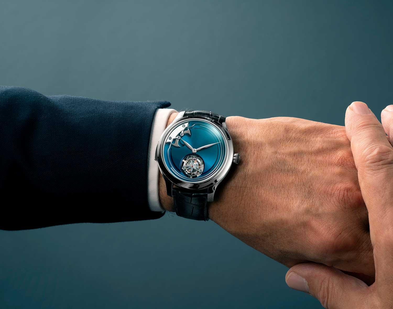 El H. Moser & Cie. Endeavour Concept Minute Repeater Tourbillon, en la muñeca