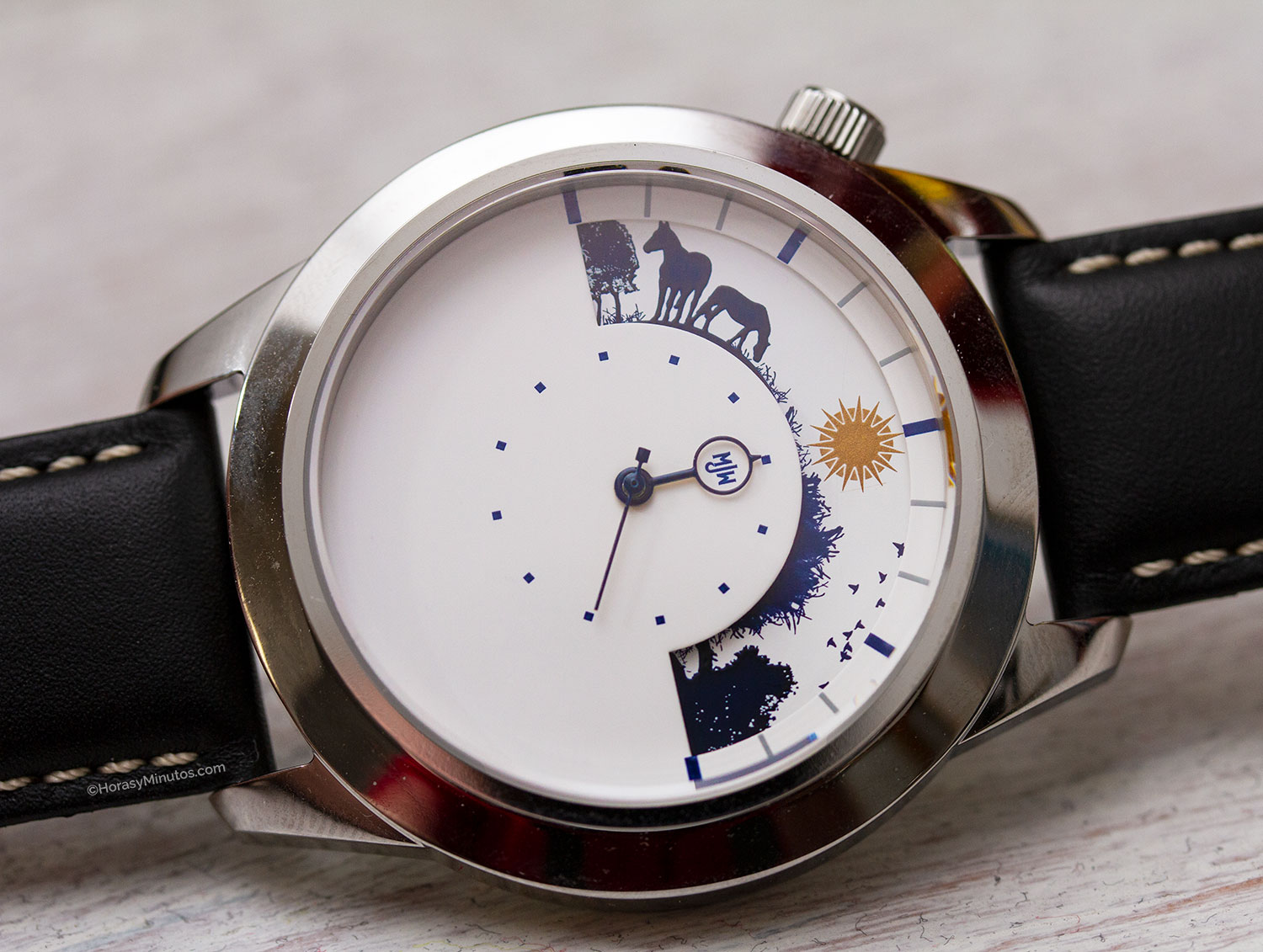 10 relojes mecánicos por menos de 1000 euros. Mr. Jones Watches Sun and Moon XL