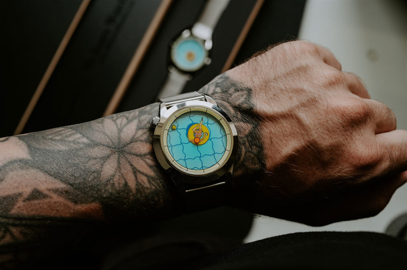Una Tarde Perfectamente Inútil de Mr. Jones Watches, en la muñeca