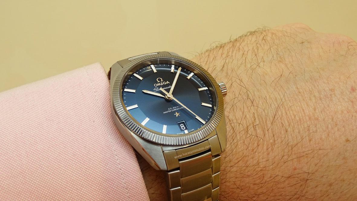 OMEGA-Globemaster-Master-Chronometer-acero-esfera-azul-1-Horas-y-Minutos