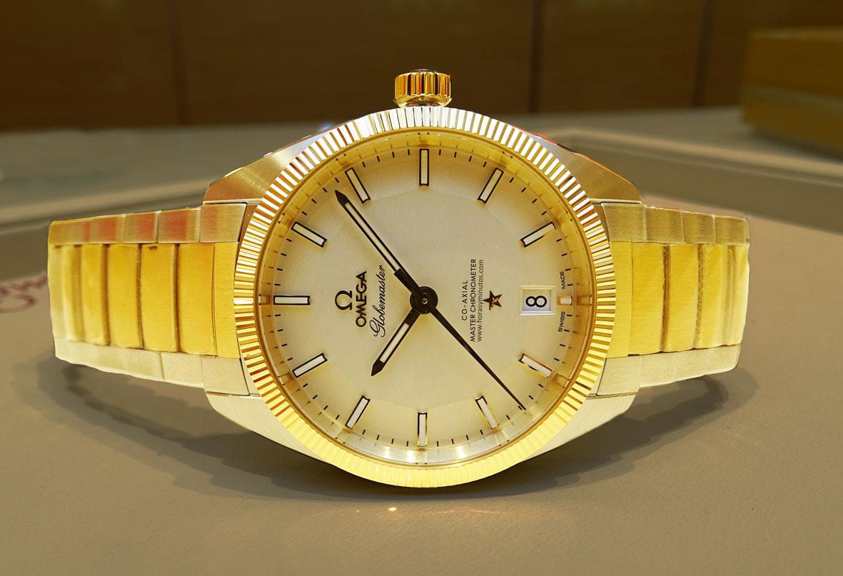 OMEGA-Globemaster-Master-Chronometer-acero-y-oro-amarillo-Horas-y-Minutos