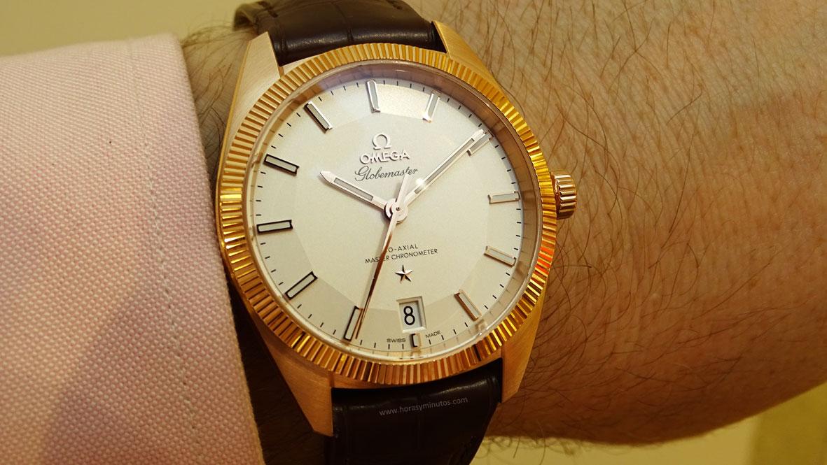 OMEGA-Globemaster-Master-Chronometer-oro-sedna-1-Horas-y-Minutos