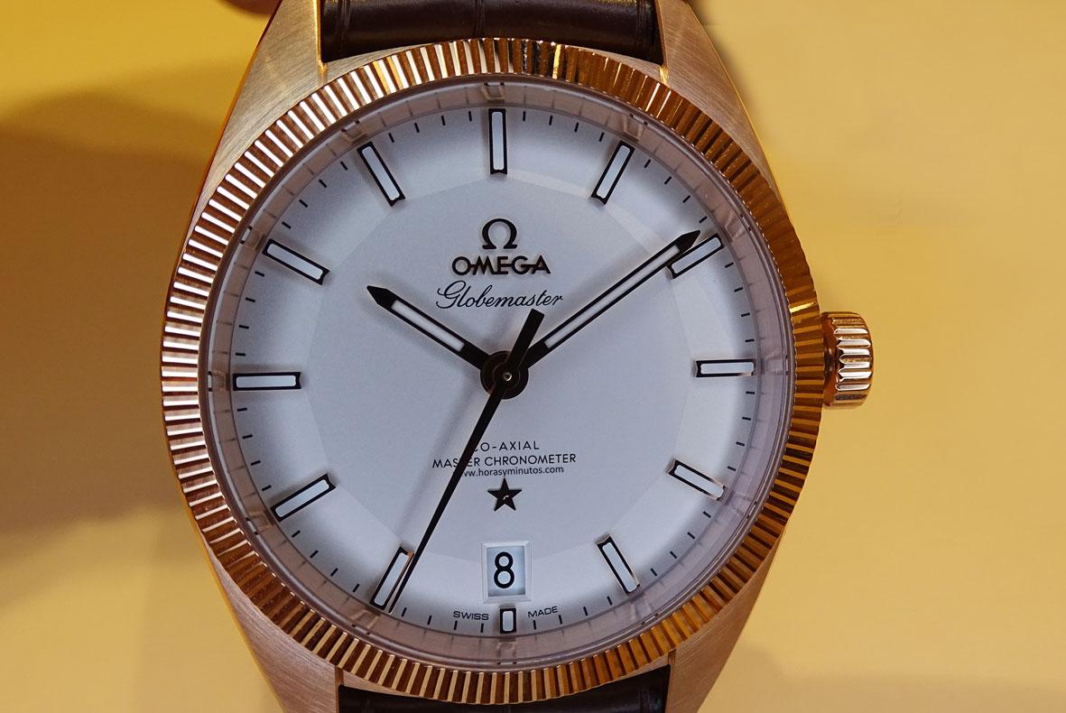 OMEGA-Globemaster-Master-Chronometer-oro-sedna-Horas-y-Minutos