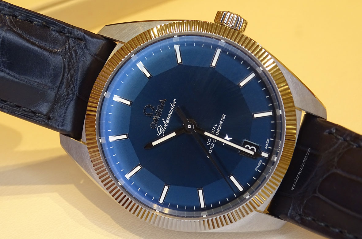OMEGA-Globemaster-Master-Chronometer-piel-esfera-azul-1-Horas-y-Minutos