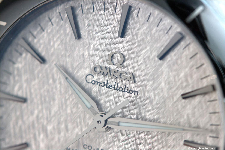 Detalle de la esfera texturizada del Omega Constellation Gent's Collection