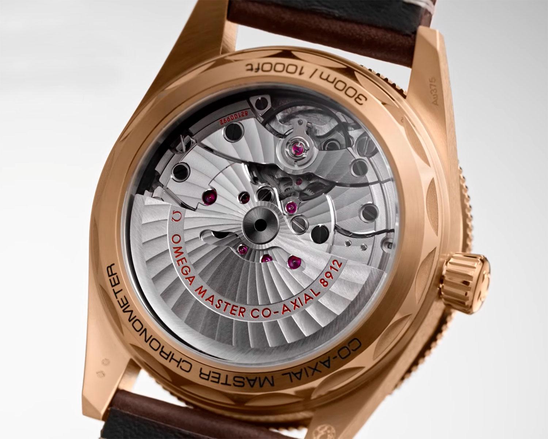 Calibre 8912 del Omega Seamaster 300 oro bronce