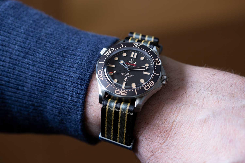 El Omega Seamaster 300M James Bond No Time To Die con NATO