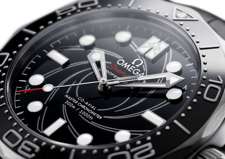 Esfera del Omega Seamaster 300M James Bond Platino y Oro