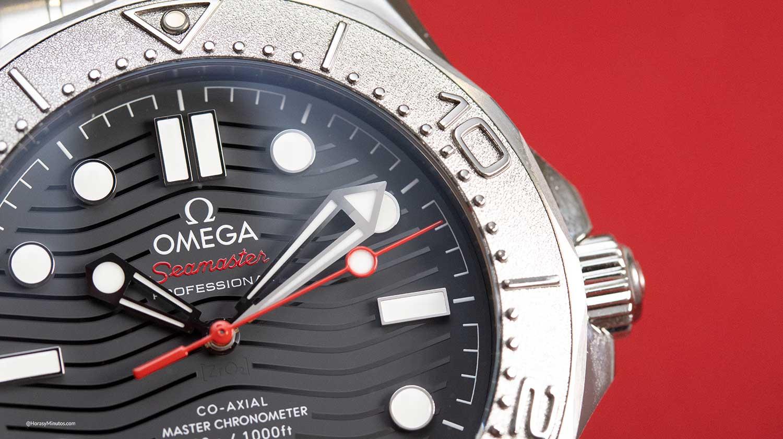 Detalle de la esfera del Omega Seamaster Diver 300M Nekton Edition