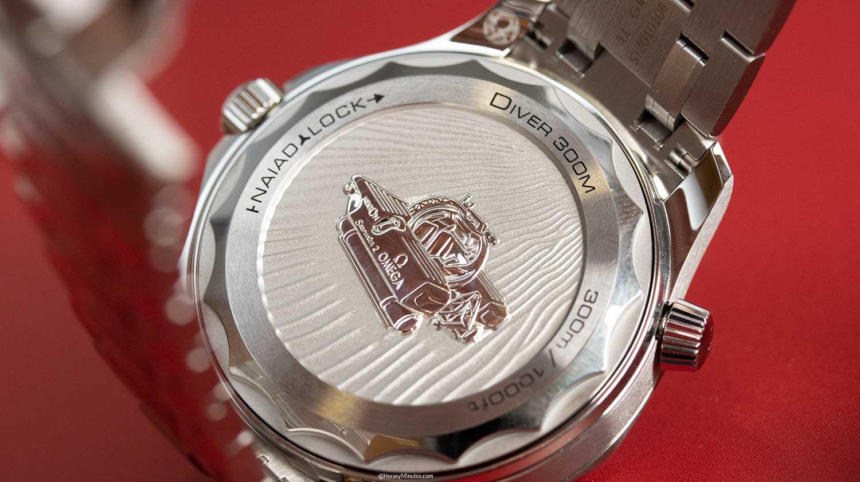 tapa trasera del Omega Seamaster Diver 300M Nekton Edition