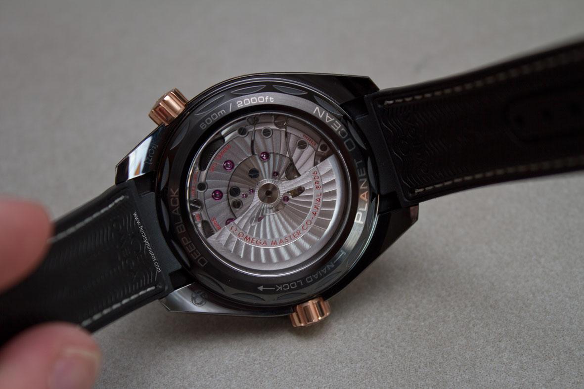 Omega-Seamaster-Planet-Ocean-Deep-Black-14-Horasyminutos