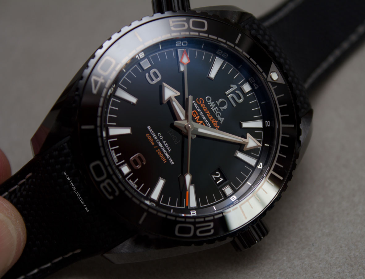 Omega-Seamaster-Planet-Ocean-Deep-Black-20-Horasyminutos