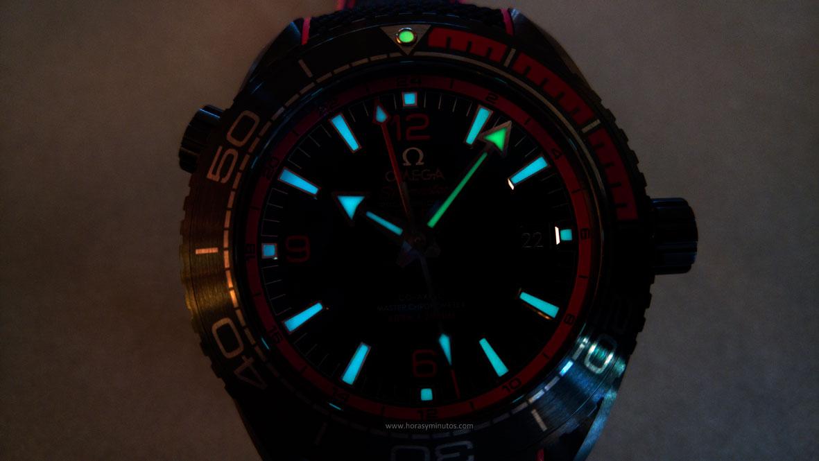 Omega-Seamaster-Planet-Ocean-Deep-Black-24-Horasyminutos